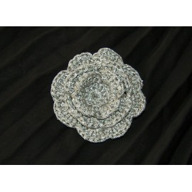 BROCHE FLOR RELIEVE GANCHILLO PLATA
